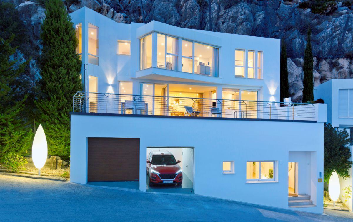 4 Bed 4 Bath Villa For Sale in Altea ref OV-HC015