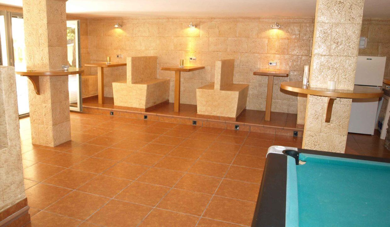 11-Bed-9-Bath-VILLA-For-Sale-in-DENIA-ref-G-2000-18