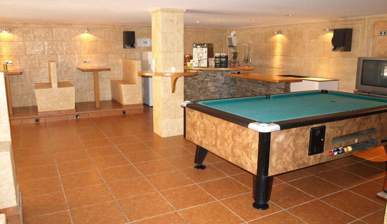 11-Bed-9-Bath-VILLA-For-Sale-in-DENIA-ref-G-2000-19